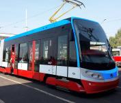 Kvůli špatným kolům tramvaje 15T musí jezdit pomaleji.